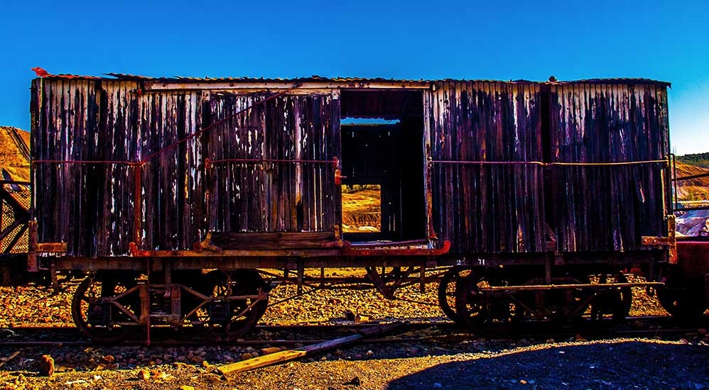 Old train cart  | Mark van Laere