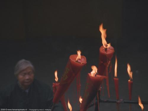 wallpaper: 'Burning candles' - Arne's Corner