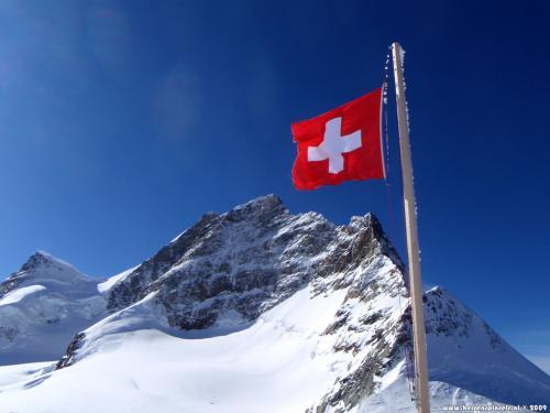 wallpaper: Jungfrau en vlag, Zwitserland